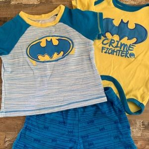 Batman Shirt Oufit plus Onsie